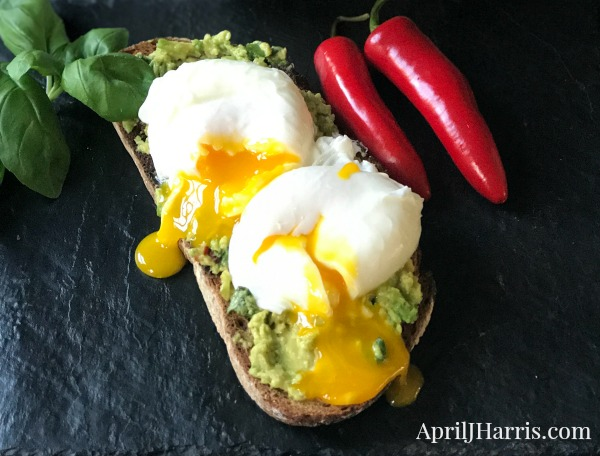 Making Poached Eggs – It's Easier Than You Think