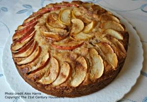 Apple Cinnamon Yoghurt Cake