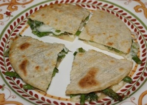 Asparagus-Quesadilla-Recipe-400x286