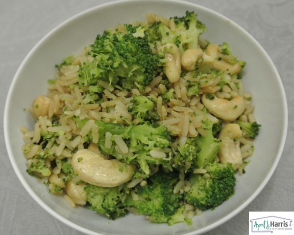 Broccoli and Cashew Rice Bowl