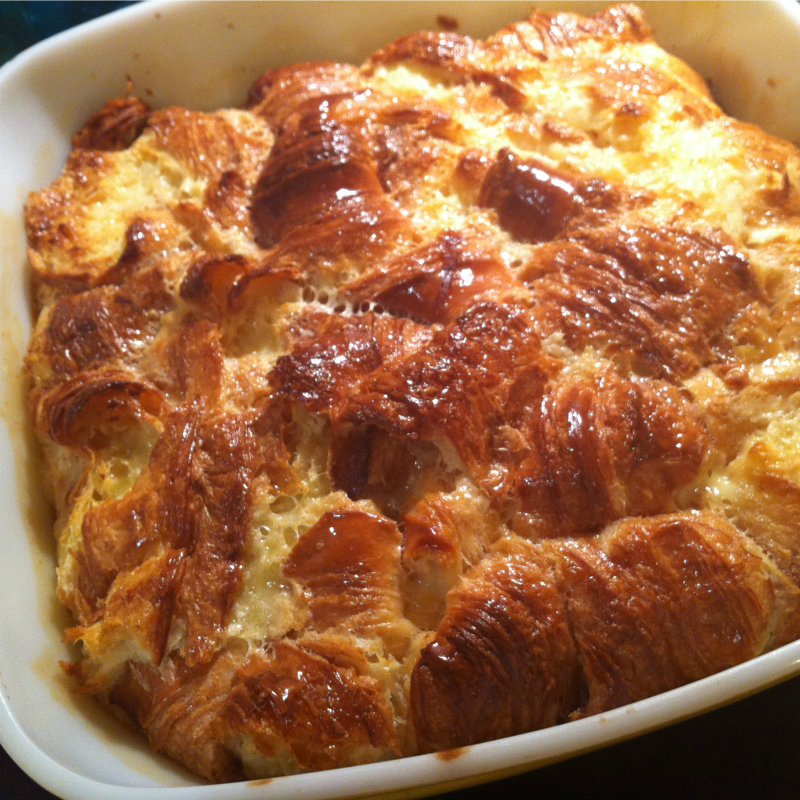 Crusty baked croissants, surrounded by a meltingly tender and yielding custard. If you can resist this Caramel Croissant Pudding you have a will of iron.
