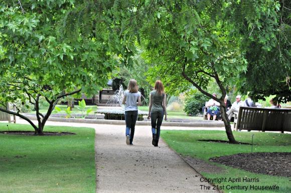Walking at Oxford Botanic Gardens