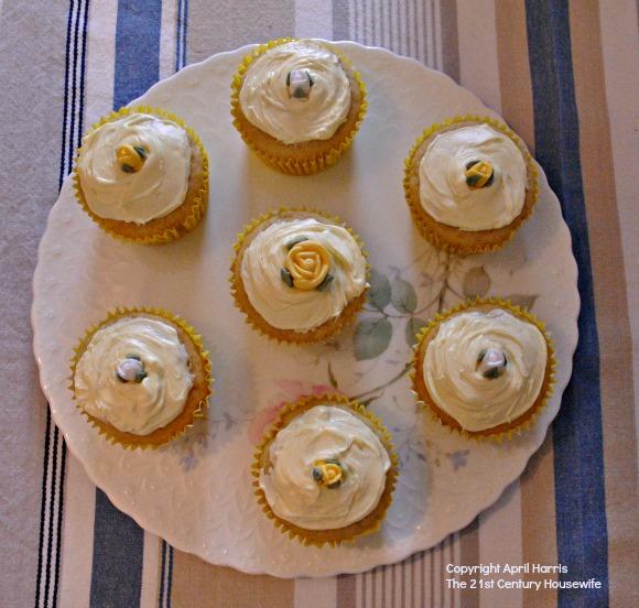 Lemon and Ginger Yogurt Cupcakes