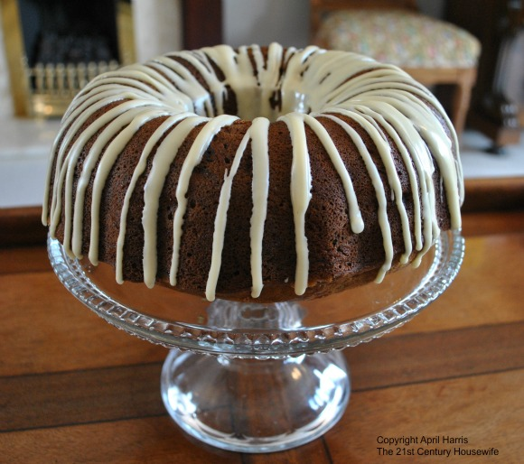 Glazed Banana Rum Raisin Cake
