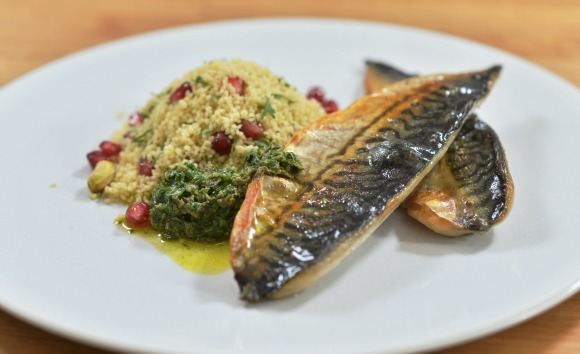Pan Fried Mackerel Fillets with Parsley, Mint and Anchovy Sauce