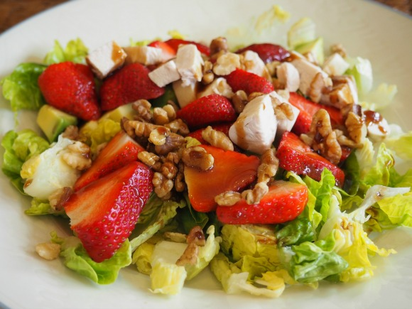 Strawberry and Walnut Salad