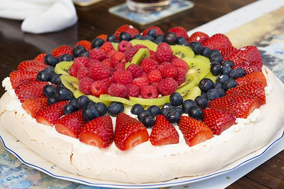 Mixed Fruit Pavlova – A Family Recipe