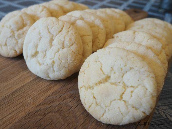 Lemon Crinkle Cookies on AprilJHarris.com