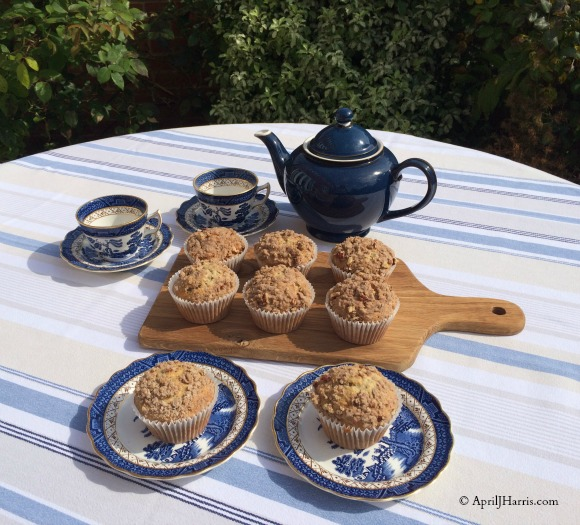 Banana Streusel Muffins with Flaxseed on AprilJHarris.com