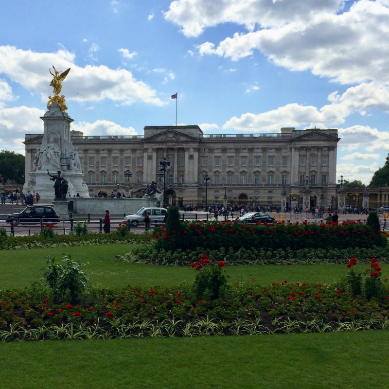 Learn more about how to visit Buckingham Palace for an inside look at a beautiful and historic working Royal Palace, perhaps the most iconic in England.