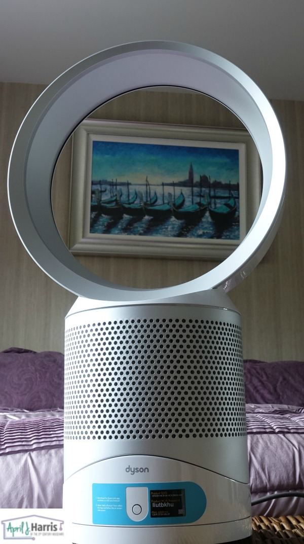 Clean and cool air in your home with the Dyson Pure Cool Link Purifying Desk Fan