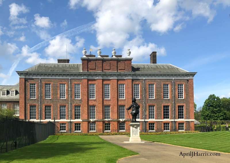 Visiting Kensington Palace - home of Royals past and present, and an amazing journey into the history of England