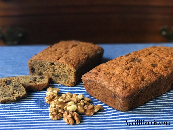 Banana and Chia Loaf Cake with Dates and Walnuts, a delicious cake full of wholesome ingredients from Indigo Herbs #ad