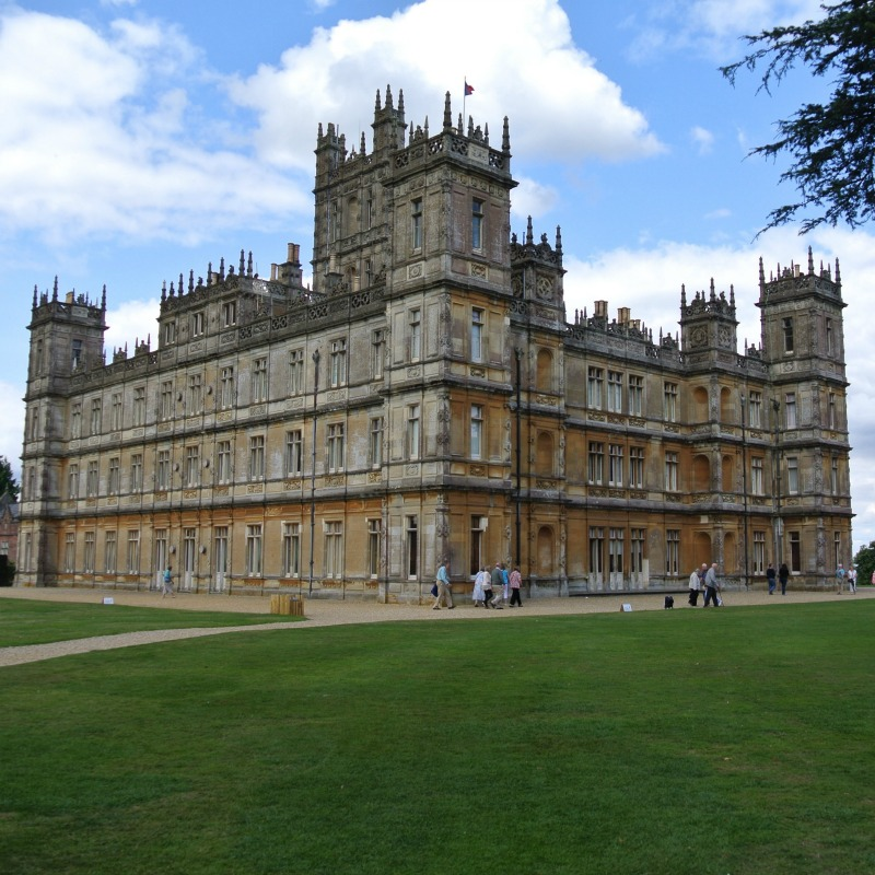 Join me in a virtual visit to Highclere Castle, the Real Downton Abbey.