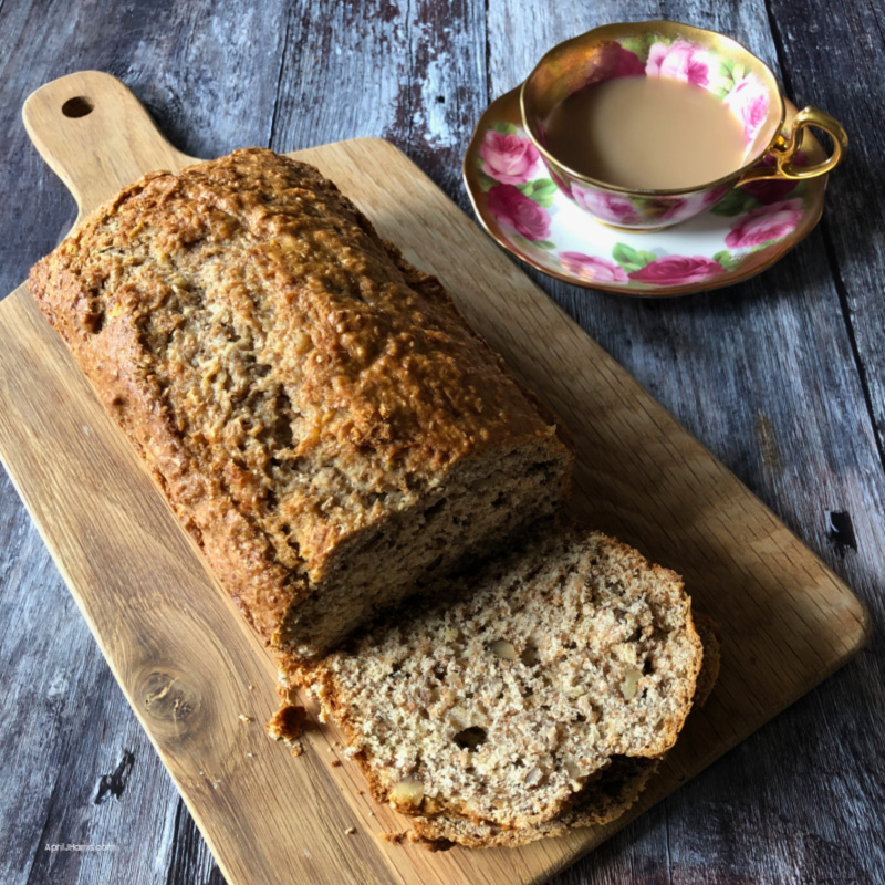 Don't miss this easy recipe for Old Fashioned Banana Nut Bread!