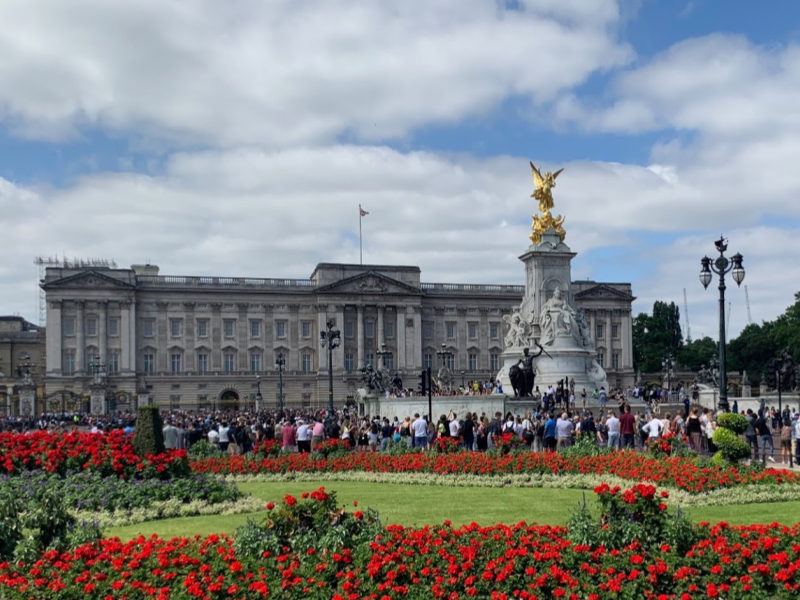 Visit Buckingham Palace - The Inside Story