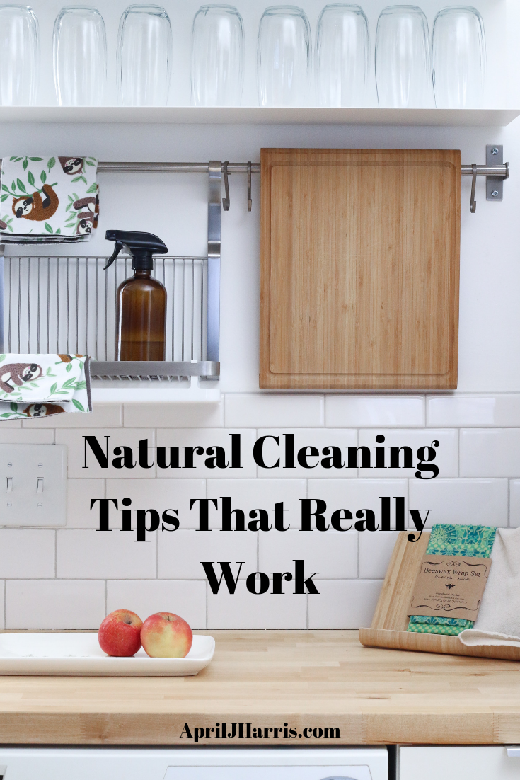 Want a clean home without using a lot of store bought cleaners?  Don't miss these easy, frugal, natural cleaning tips that really work.