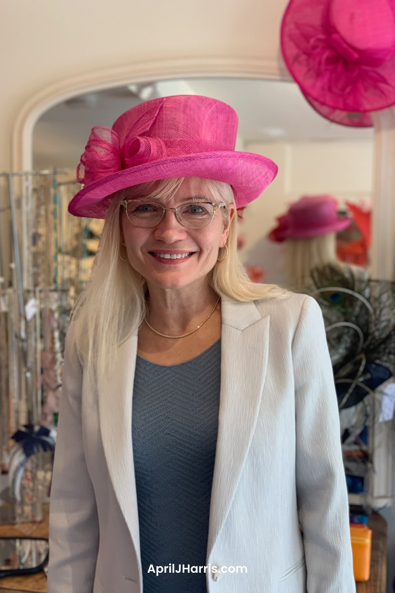 A hat is a real fashion statement, but how to choose a hat that is perfect for you? Don't miss these tips from designer Katherine Elizabeth.